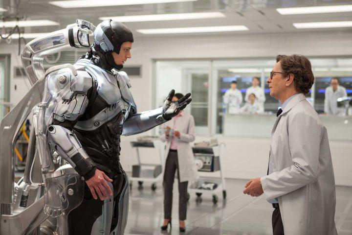 Joel Kinnaman as Roocop - chatting with doctors